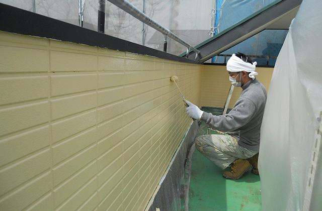 塗料は濡れ肌の時と乾燥した状態では色が違います