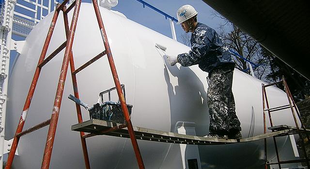 ガスタンク(施工中)