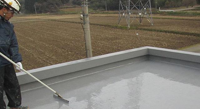 サーフェスマットと防水層をもう一度重ね、防水膜を十分に厚くします