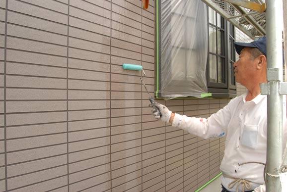 日本ペイントUVプロテクトクリヤー塗装中
