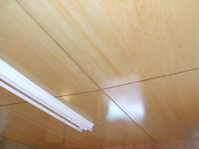 天井 ニス塗り施工後。