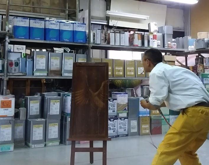 ウッドバーニングへ保護塗料塗布