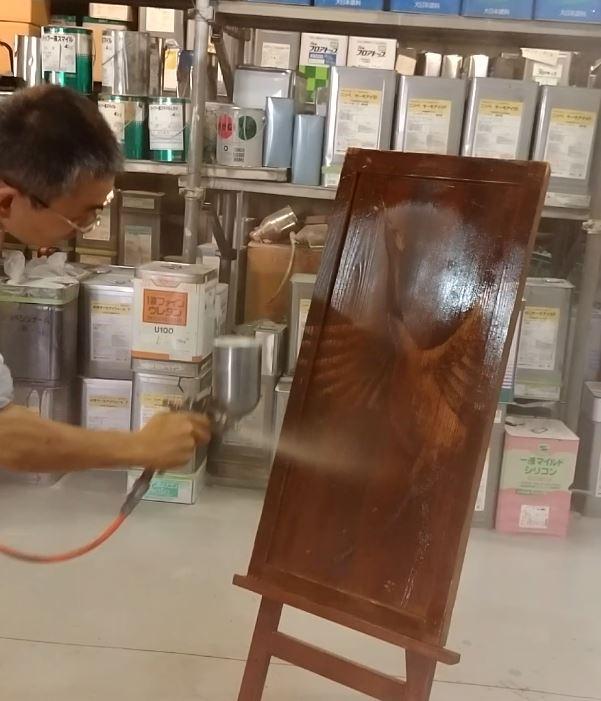 木材保護塗料の実験中